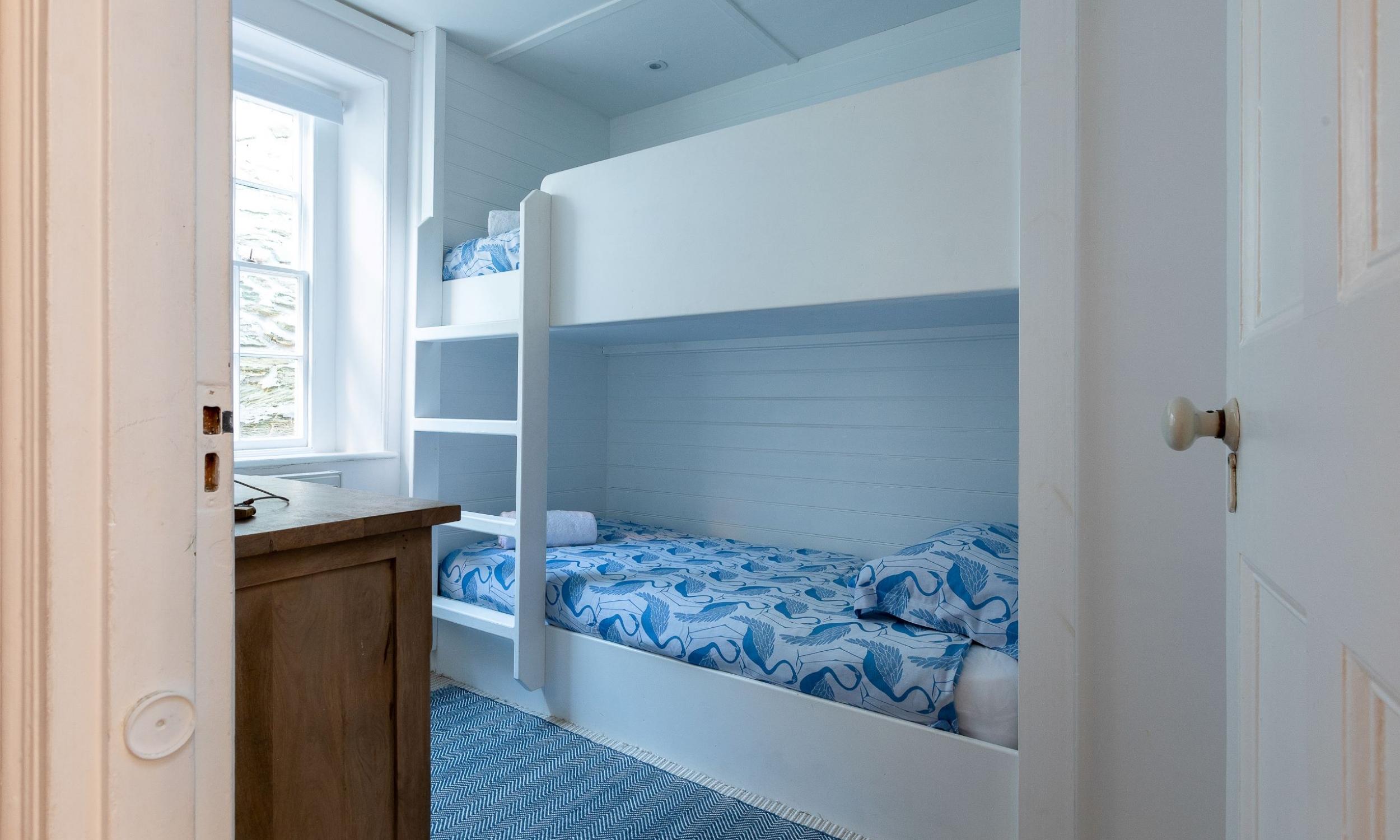 Built in bunk beds 21 Island street Salcombe
