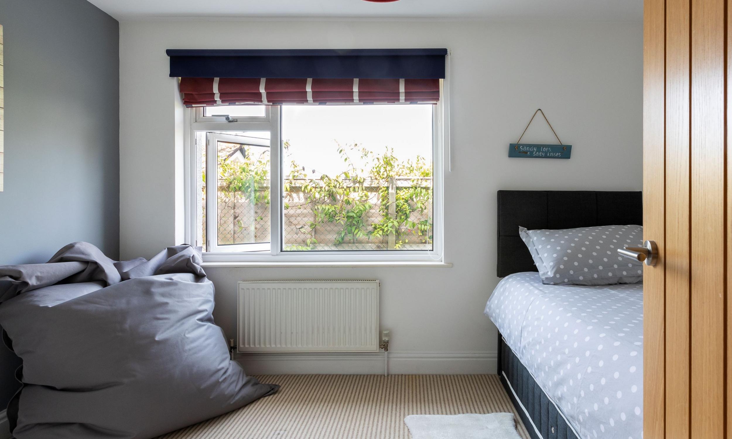 Bedroom 3 single
